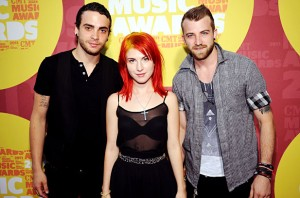 1128669-cmt-paramore-617-409